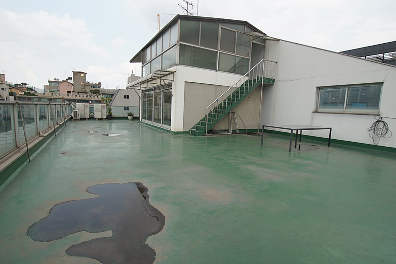 논현동 복층구조의 옥탑사무실임대 테라스가 대박