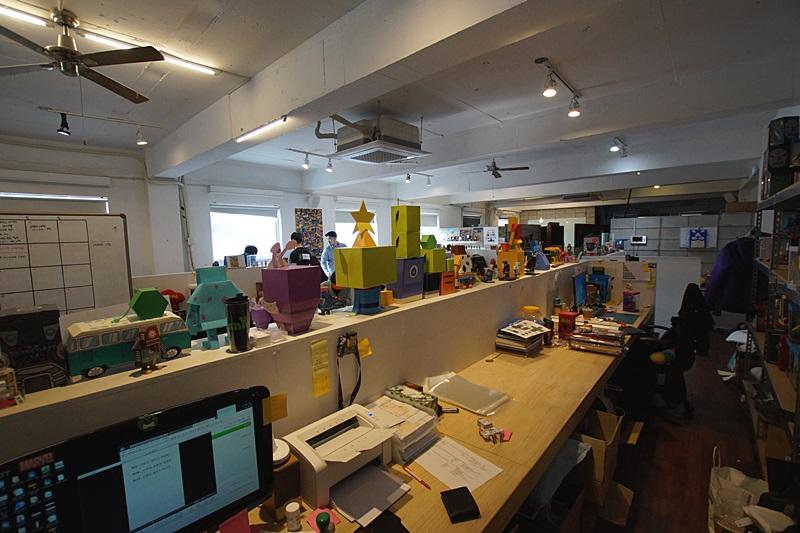 논현동 상당히 넓은 인테리어 사무실임대