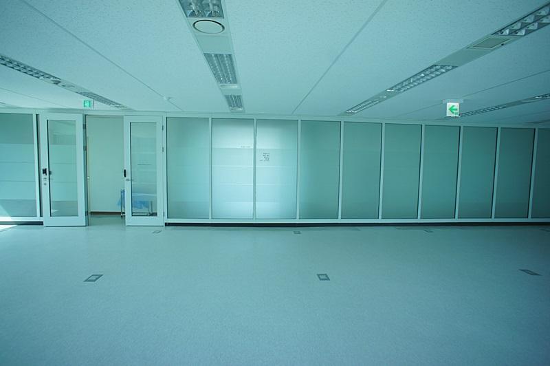 논현동 인테리어 깔끔한 넓은 사무실임대