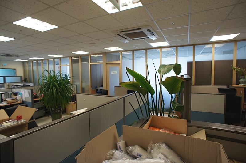 서초동 업무공간 넓은 인테리어의 사무실임대