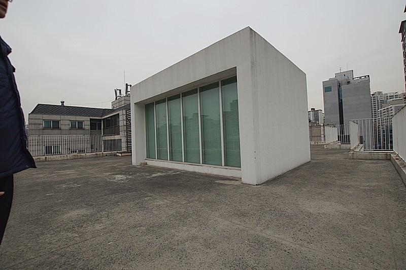 서초동 옥상 전용으로 사용가능한 인테리어 사무실임대