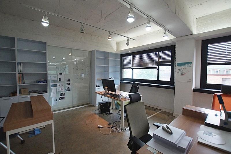신사동 디자인 사무실로 적합한..