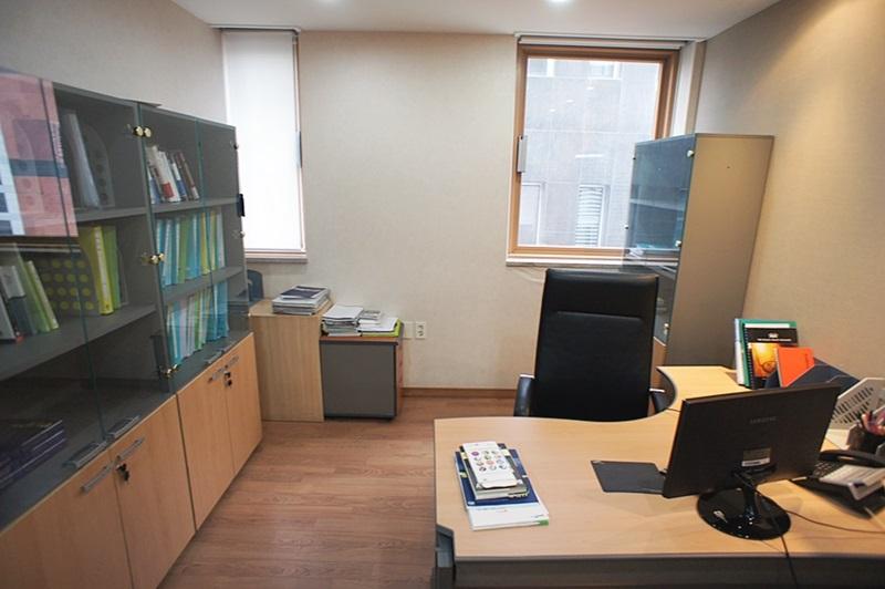대치동사무실임대 회의실 넓은 사무실 찾으신다면