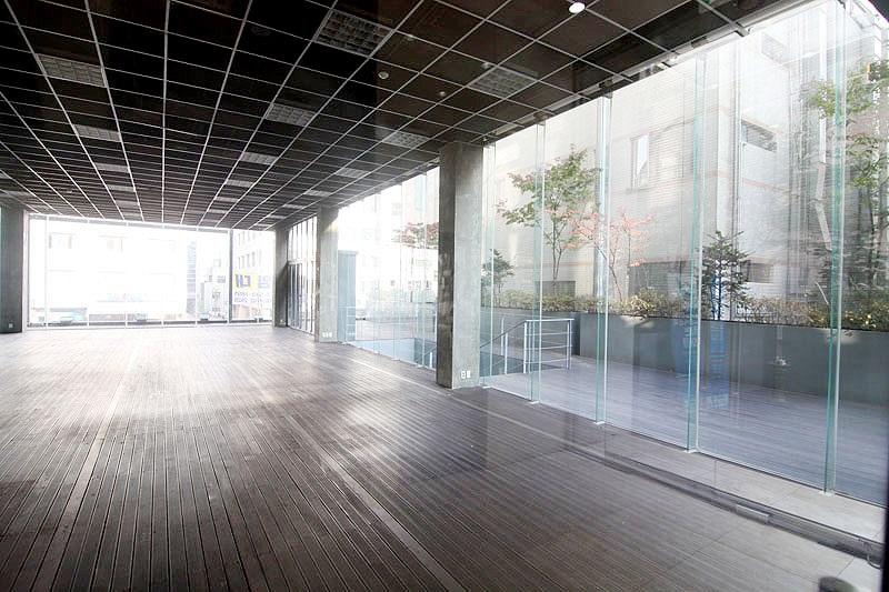 논현동 전시장으로 사용하기 좋은 층고높은 사무실