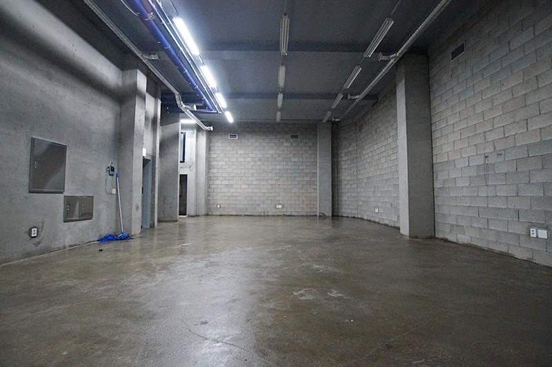 논현동 신축첫입주 층고높은 지하사무실임대