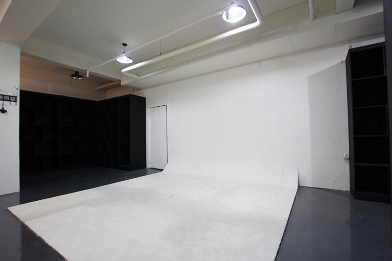 신사동 소형스튜디오 깔끔한 구조