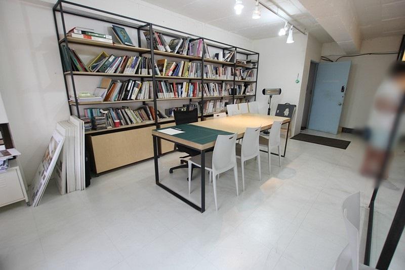 신사동 사무실임대 깔끔한 인테리어 사무실