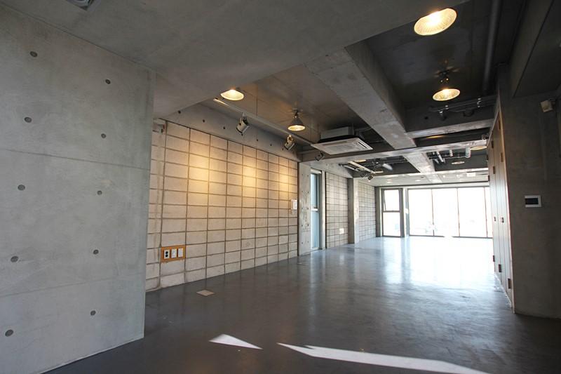 청담동 사무실임대 건축상받은 건물