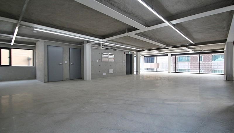 신사동 신축건물 스타일 좋은 사무실임대