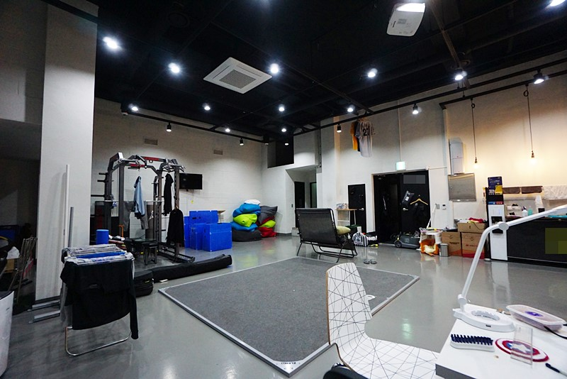 논현동 층고높고 컨디션 좋은 지하사무실임대 스튜디오가능