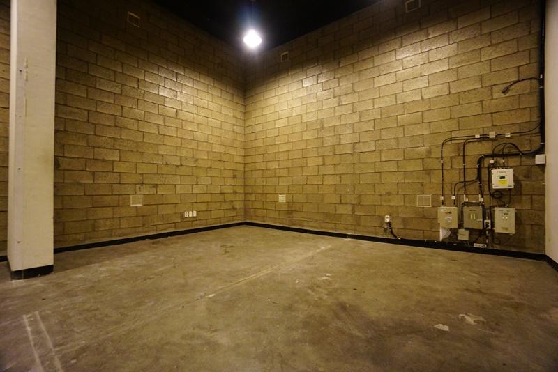 논현동 층고높은 지하 임대사무실 보고가세요