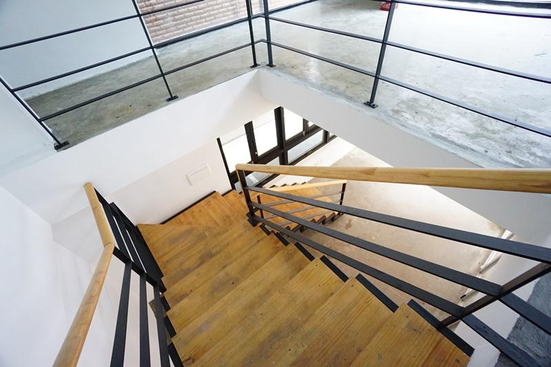 논현동 1~2층 사용가능한 사무실이 나왔습니다.