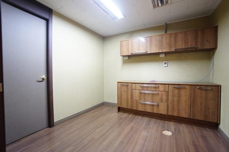 삼성동 룸 많은 인테리어 사무실입니다.