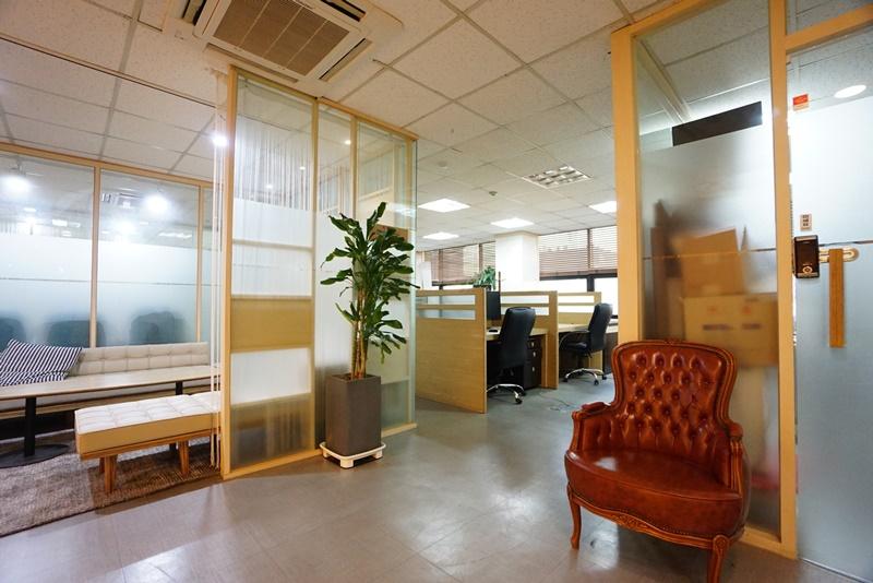 역삼동 인테리어 좋고 룸10개 나오는 사무실이 나왔습니다.