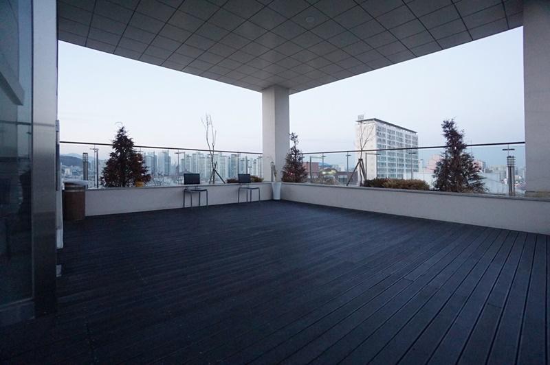 지상층 스튜디오임대 층고 무제한 2개층 연층및 개별임대 가능