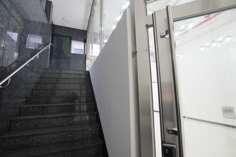 도곡동 층고 5미터 30평 지하사무실